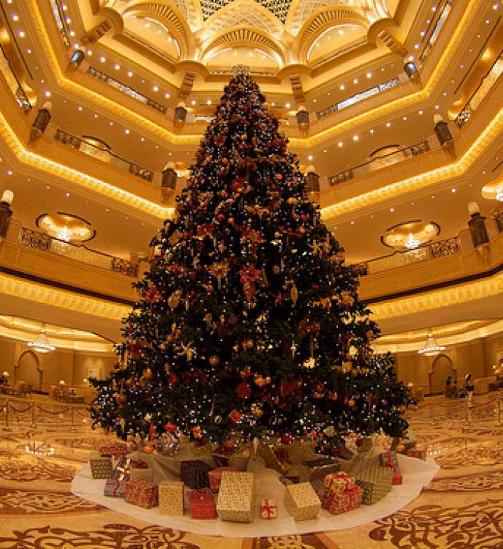 The Most Beautiful Christmas Tree: World's Most Expensive Christmas Tree